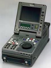 Цифровой мобильный монтажный видеомагнитофон SONY DNW-A220P